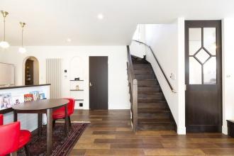 階段・リビングドア