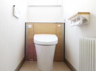 生活に直結する水回り・内装を優先したリフォーム。浴室にはスライドバー、ペットドアを新設。LIXILリフォームショップのリフォーム事例。神尾建設のリフォーム。室蘭市のリフォーム。