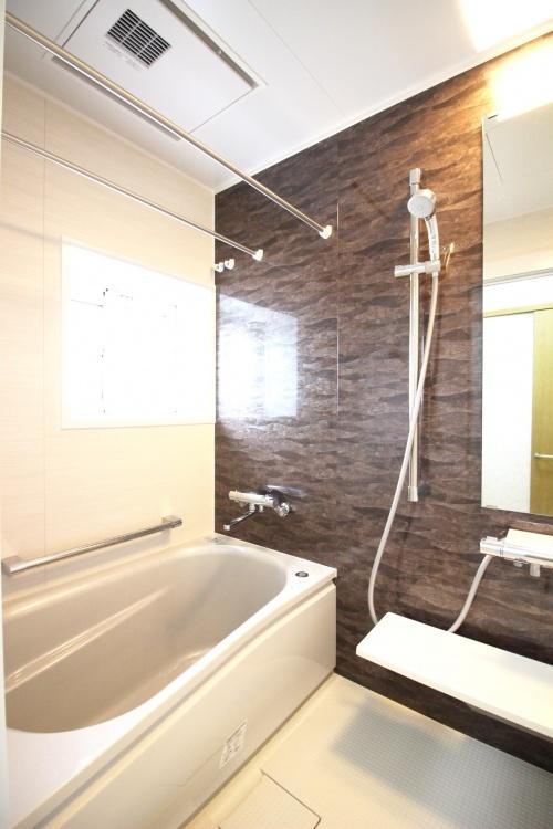 お風呂やトイレのリフォーム、キッチンの水回りリフォームの施工事例。施工は札幌市のふじ研究所。その他内装リフォームやフルリフォームなどあらゆるリフォームニーズにお応え。誠実・丁寧な対応で信頼できる地域密着型の工務店です。