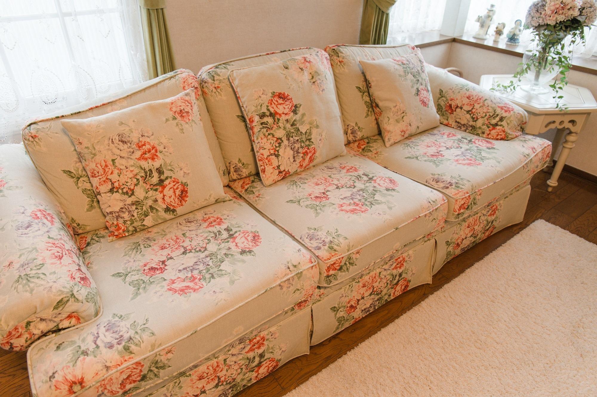 サンダーソンのファブリックが素敵なソファ