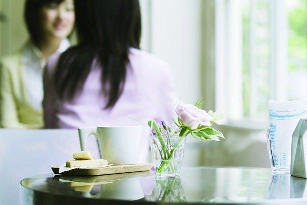 リフォーム会社をどう選ぶか?よい会社の見極め方は?はじめてのリフォームを実行するA子さんに、友人で経験者のB代さんとC恵さんがアドバイス。リフォーム女子会がだした結論は?